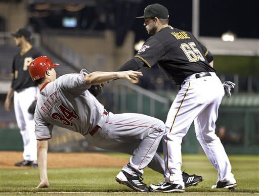 Bruce, Frazier lead Reds past Pirates 8-1
