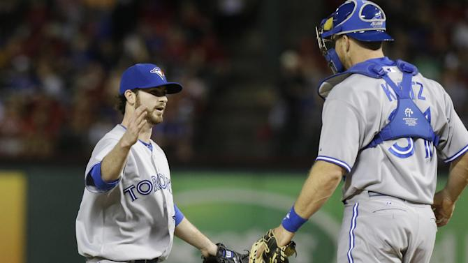 Cabrera lifts Blue Jays to 2-0 win over Rangers