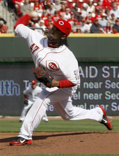 Cueto leads Reds over Marlins 4-0