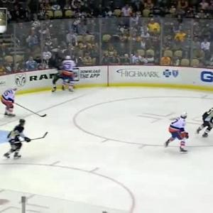 Casey Cizikas Hit on Olli Maatta (02:58/1st)