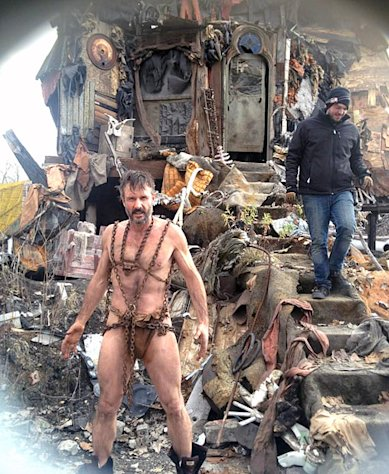 Whoa! David Arquette, 41, Shows Off Muscular Bod in Loincloth, Chains