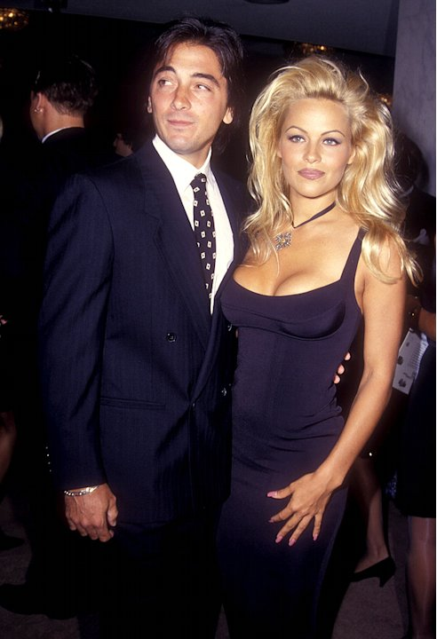 Pam Anderson, Scott Baio