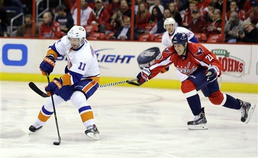 Tavares leads Islanders past Capitals, 3-2