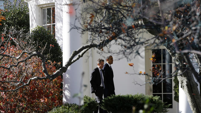 Obama seeks to put personal touch on cliff talks