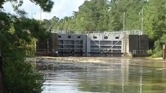 Isaac Aftermath: Officials Try to Prevent Canal Lock Collapse