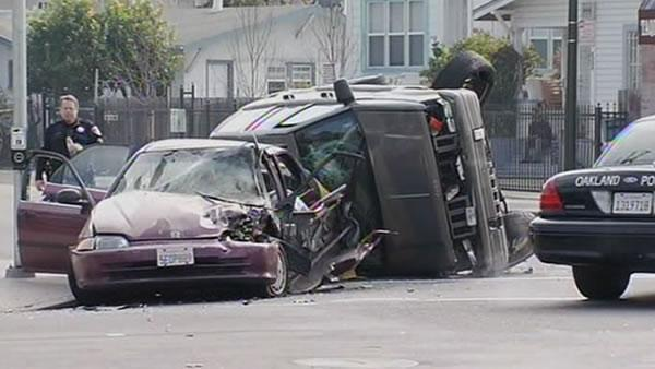 Man at corner spared in Oakland crash