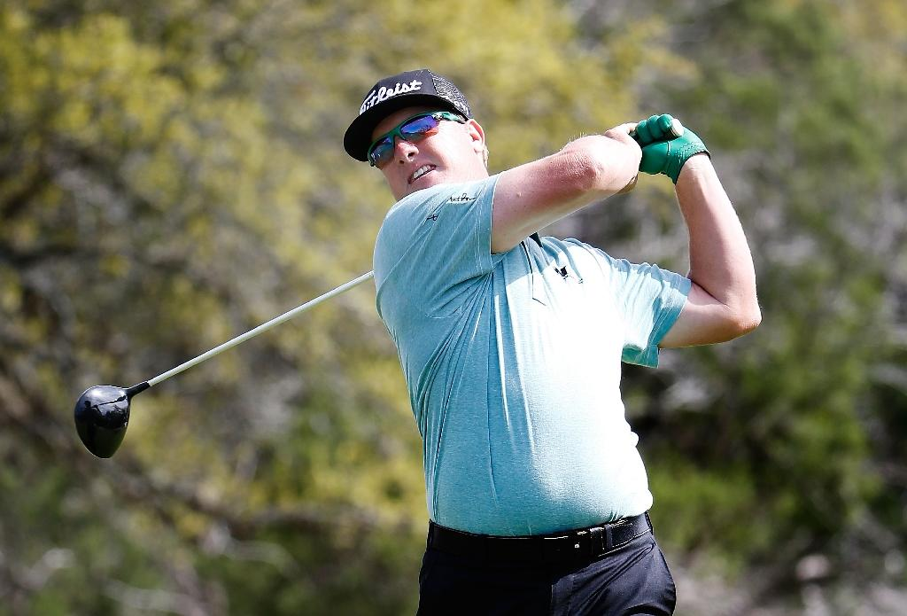 Hoffman leads at wind-whipped PGA Texas Open