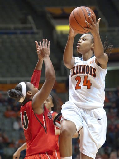 Illinois women upset No. 6 Georgia 70-59