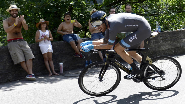 Wiggins leaves Tour de Suisse with leg injury