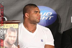 Alistair Overeem Wants UFC Return ASAP to Prove He's Not Ducking, but Waiting on Rib Injury