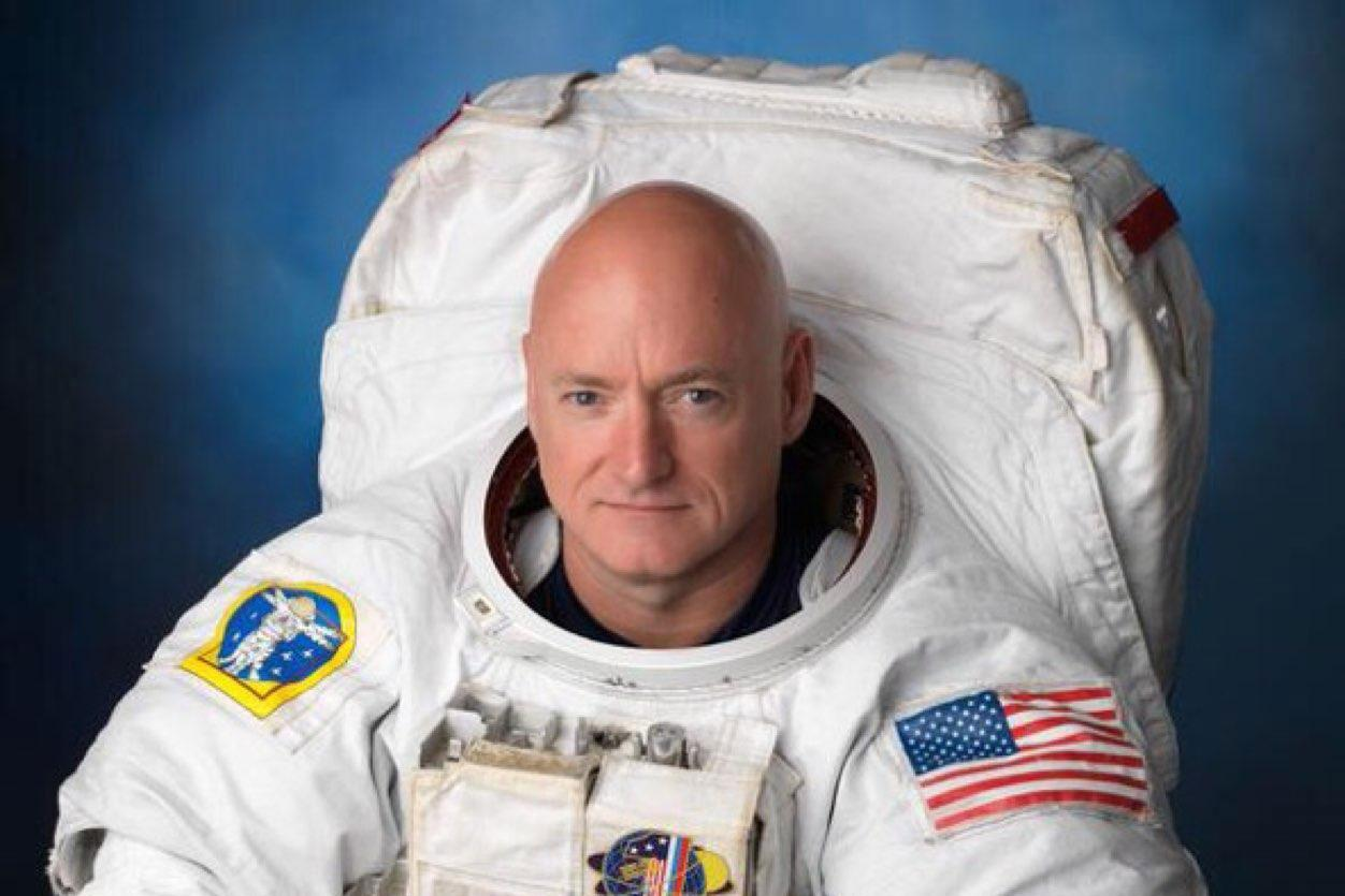 Scott Kelly answered questions on Tumblr, and the result was pretty hilarious