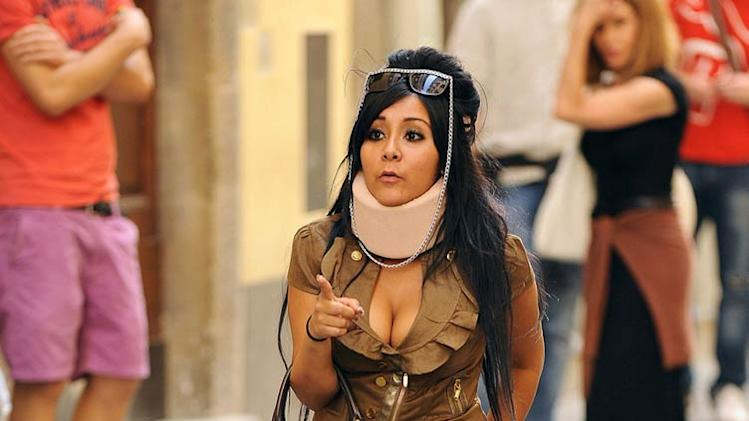 Snooki Italy With Neck Brace