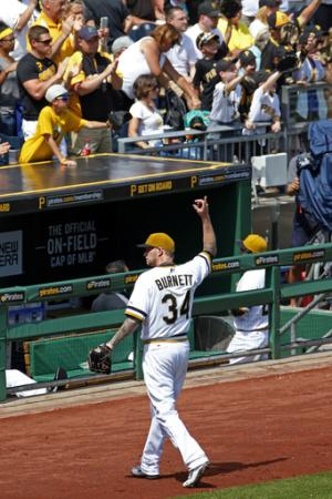 Pirates sweep Phillies with 1-0 win in 11 innings