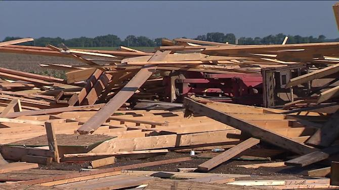 Meteorologists Survey Ill. Storm Damage