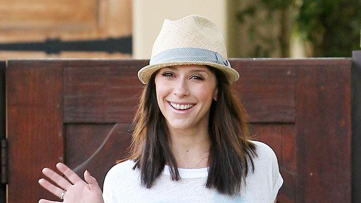 Jennifer Love Hewitt Toluca Lake