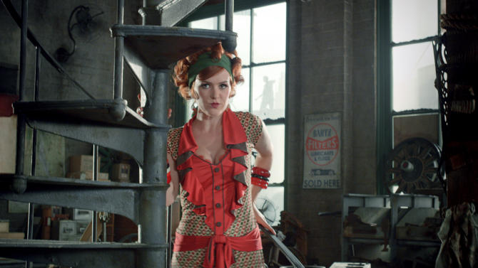 """FILE -This undated publicity photo released by courtesy of Warner Bros. Pictures shows Isla Fisher as Myrtle Wilson in Warner Bros. Pictures' and Village Roadshow Pictures' drama """"The Great Gatsby,"""" a Warner Bros. Pictures release. (AP Photo/Warner Bros. Pictures)"""