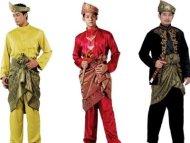 Samping lengkapkan gaya lelaki Melayu