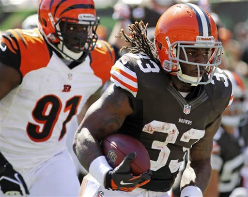 Dalton throws 3 TDs, Bengals beat Browns 34-27