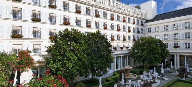 All of this could be Zlatan's (lebristolparis.com)