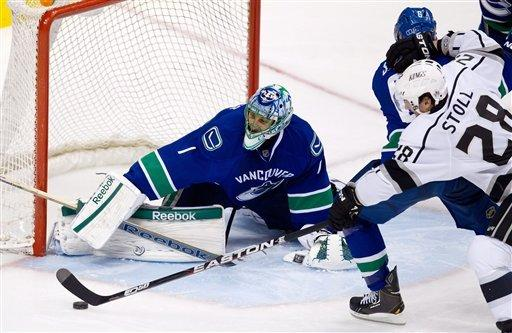 Canucks blank Kings 1-0