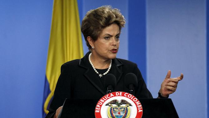 Brazil's President Rousseff speaks during a news conference after the bilateral meeting at the Narino Palace in Bogota