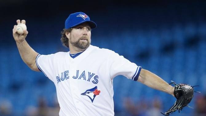 Blue Jays hit 5 homers in 12-6 win over Phillies