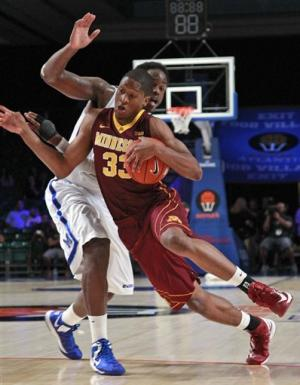 Andre Hollins leads Minnesota over No. 19 Memphis