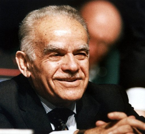 Ex-prime minister Yitzhak Shamir, a former soldier, spy and statesman, has died at the age of 96, Israeli officials said on Saturday