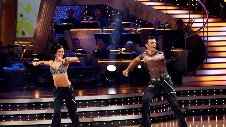 "Melissa Rycroft and Tony Dovolani perform a freestyle to ""Gonna Make You Sweat (Everybody Dance Now)"" by C+C Music Factory on ""Dancing with the Stars."""