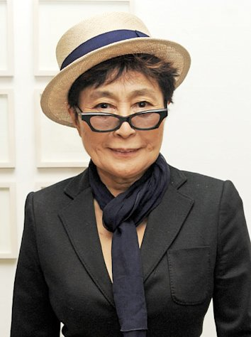 Yoko Ono Likens Beatles&#39; Breakup To &quot;A Divorce&quot;
