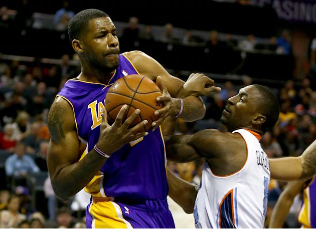 Los Angeles Lakers v Charlotte Bobcats