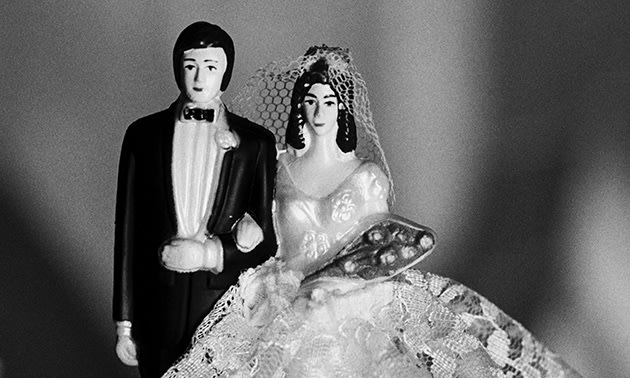 Cake decoration model of a bride and groom (Thinkstock).