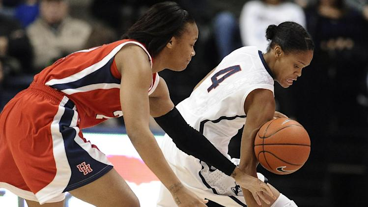 Top-ranked UConn women beat Houston 90-40