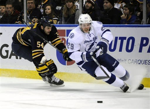 Stamkos leads Lightning to 2-1 win over Sabres