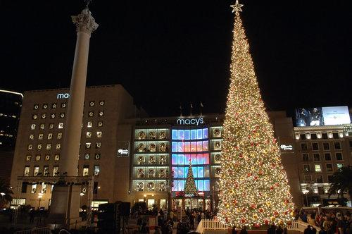 Go For the Glow: A Map of the Big Holiday Lighting Events