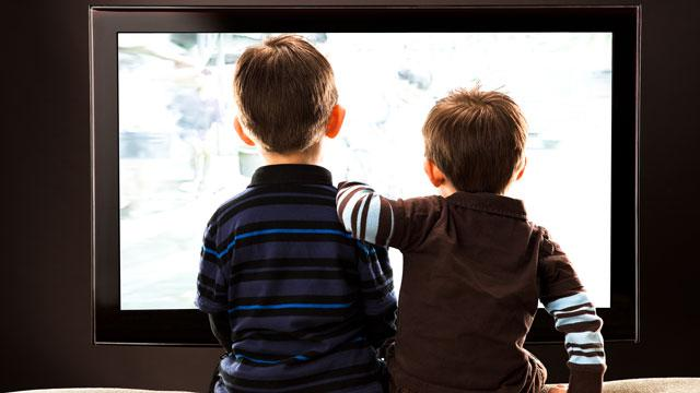 Study: More TV Linked to Larger Waists, Weaker Legs for Kids