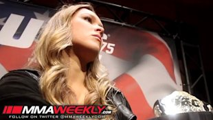 UFC champion Ronda Rousey wants to face Gina Carano. (MMA Weekly)