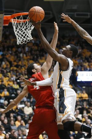 No. 5 Wichita State beats Bradley 72-50