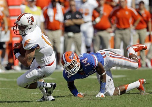 Gillislee carries Gators past Bowling Green, 27-14