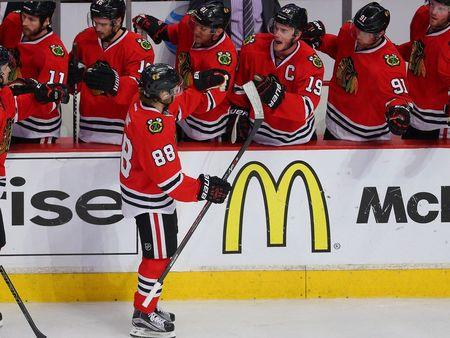 Blackhawks tame Wild to move 2-0 clear in series