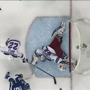 Lundqvist robs Stamkos with amazing pad save