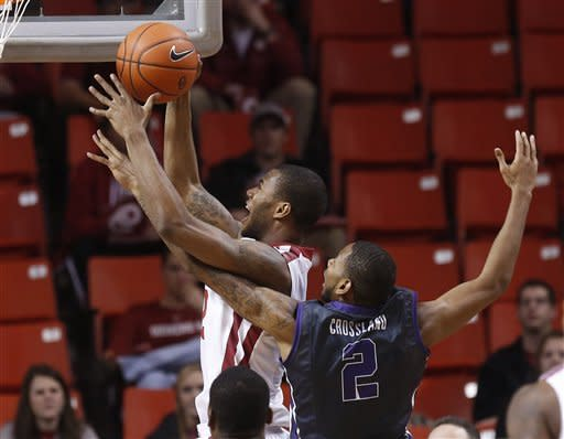 Oklahoma pounds last-place TCU 75-48