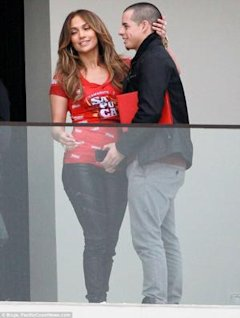 Jennifer Lopez y Casper Smart/ via Daily Mail