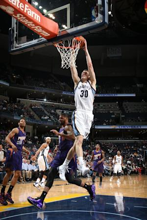 Grizzlies defeat Suns 110-91