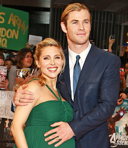 PIC: Chris Hemsworth Rubs Elsa Pataky&#39;s Baby Bump at Avengers Premiere