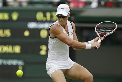 US Open champ Stosur upset by Rus at Wimbledon