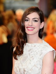 Christopher Nolan thinks Anne Hathaway should star in her own spin-off Catwoman movie