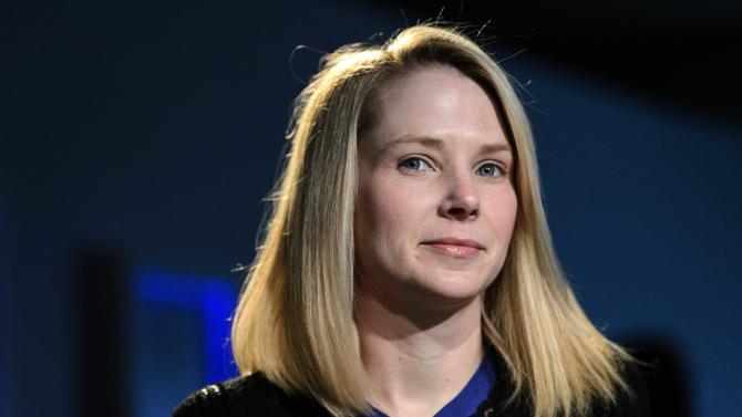 Yahoo's ad slump overshadows 1Q earnings gain