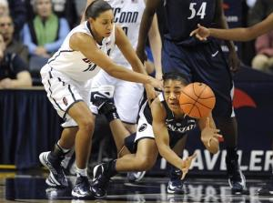 No. 2 UConn women beat No. 10 Penn State 67-52