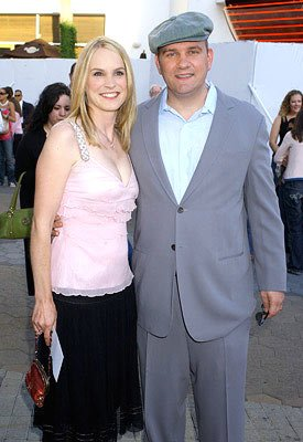 Mike O'Malley and wife Lisa at the Universal City premiere of Universal Pictures' The Perfect Man